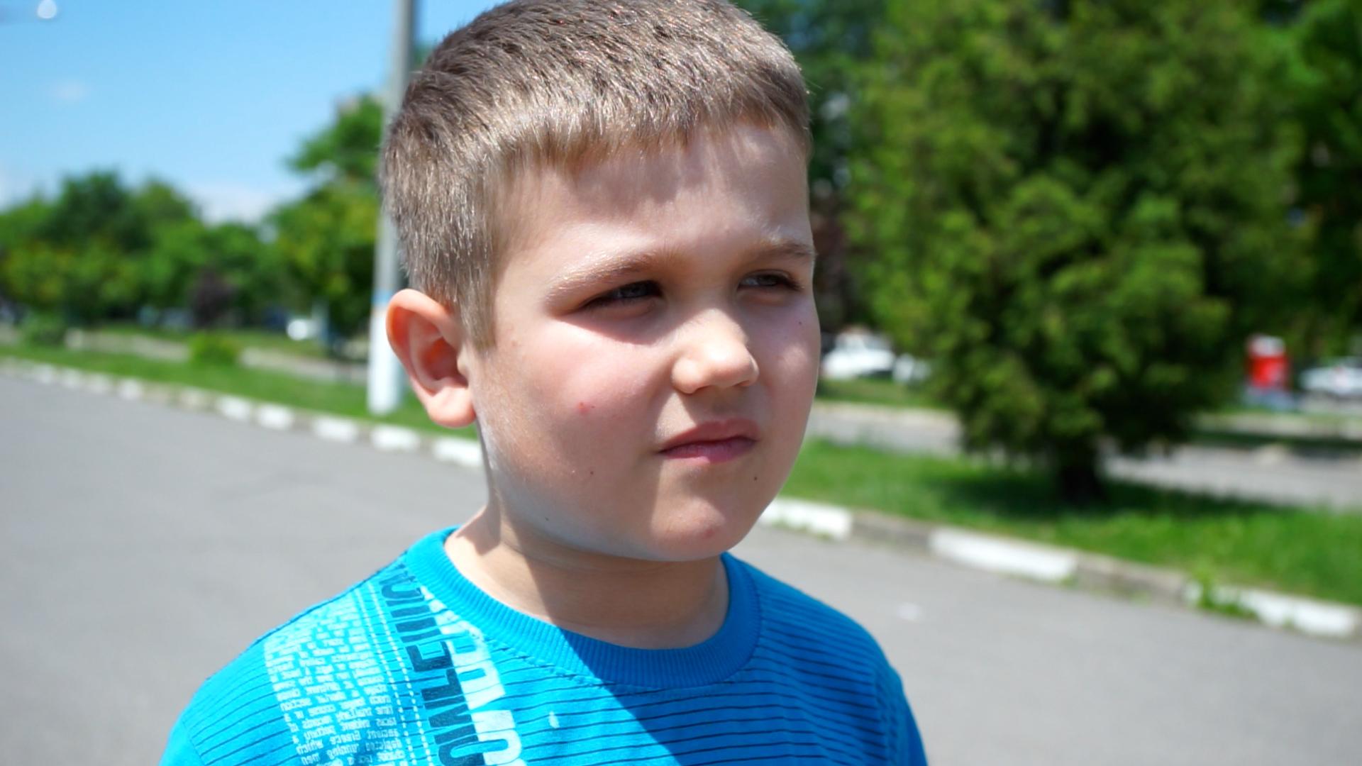 6-річний калушанин випереджає однолітків у спорті та може зрушити автомобіль 2